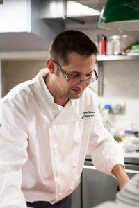 Lo Chef Gianluca Basso ama definire la sua cucina come un mix di tradizione e innovazione